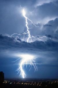 Lightning Strike, Brasilia. Photo by Mariordo Mario Roberto Duran Ortiz, shared CC-SSA via Wikimedia.