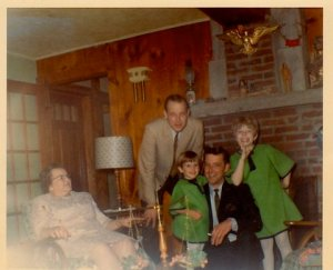Wee bitty Jamie with Nana (Helen), Dad, Uncle & my god-father, and Big Sister.